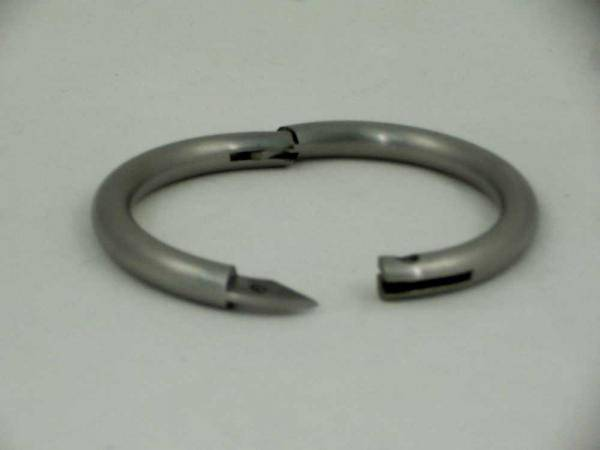 Усмирительное носовое кольцо для быков