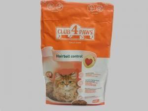 Корм Клуб 4 лапы с эффектом выведения шерсти для кошек